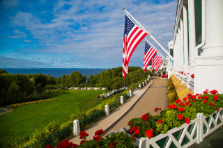 Grand-hotel-mackinac-island-americas-summer-place-view